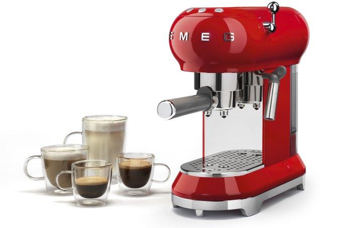 Con Smeg un espresso anni \'50 | Arredamenti Ascani
